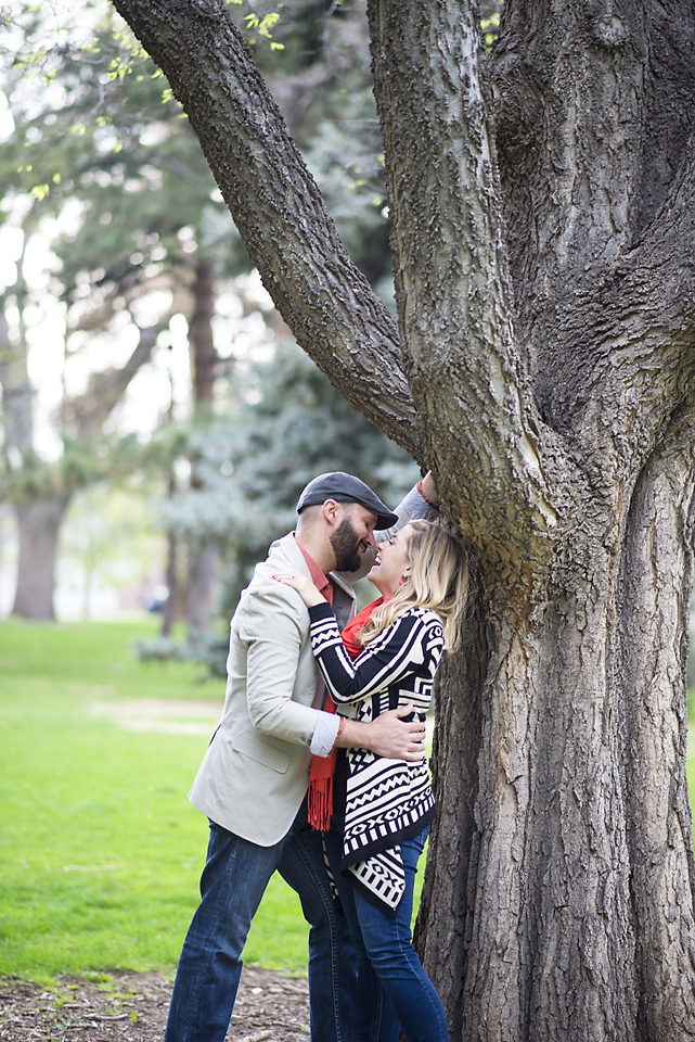 Denver City Park Engagement Session - Making out under the tree