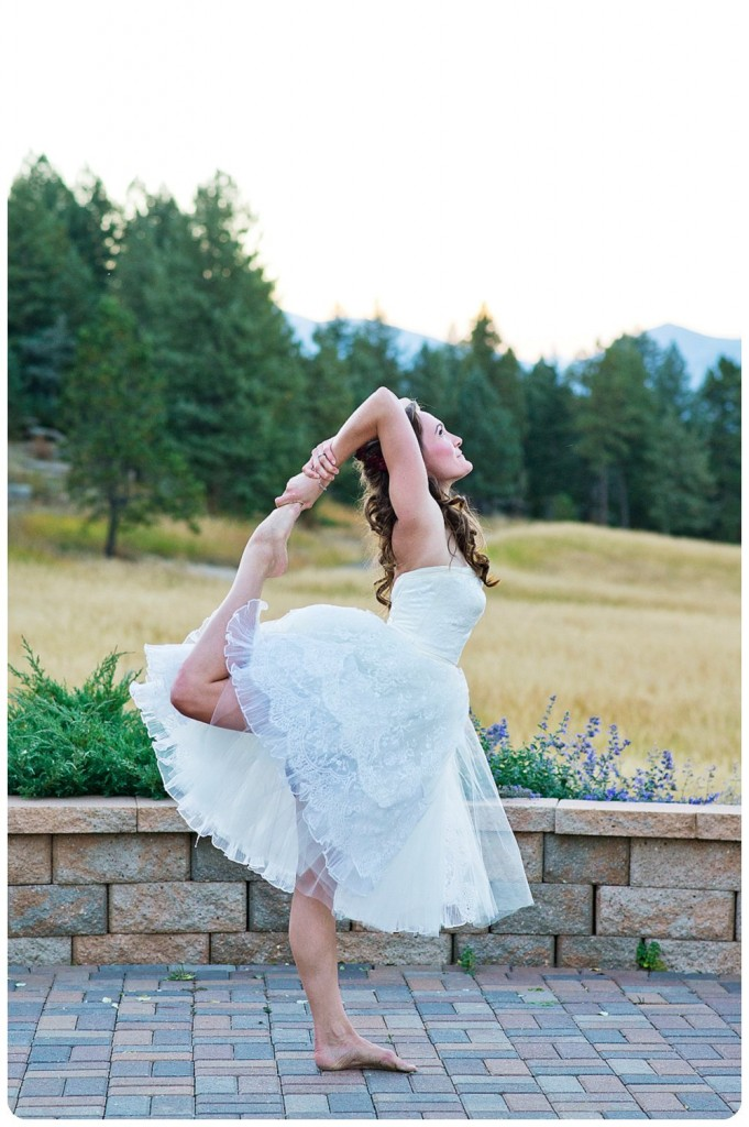 Bride doing yoga poses on her wedding day at the Grandview Terrace in Evergreen, Colorado