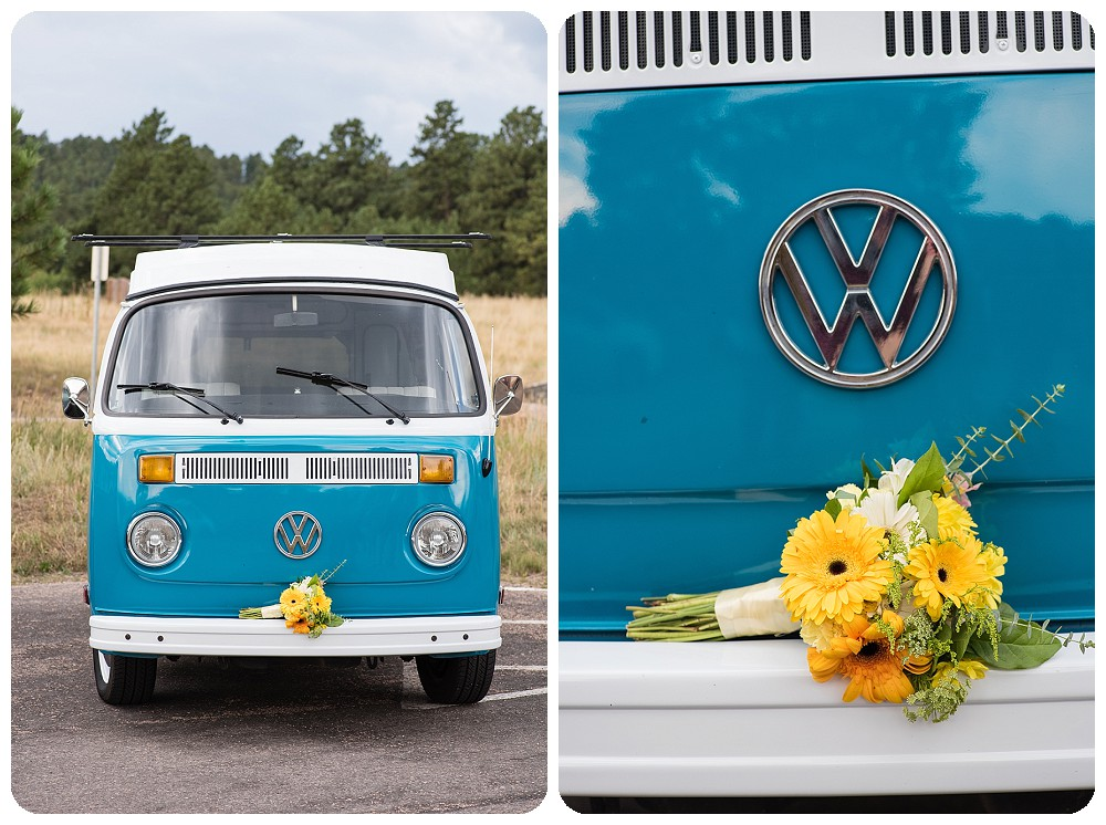 Polly the Blue Bus Booth and a beautiful bouquet by Prive Events