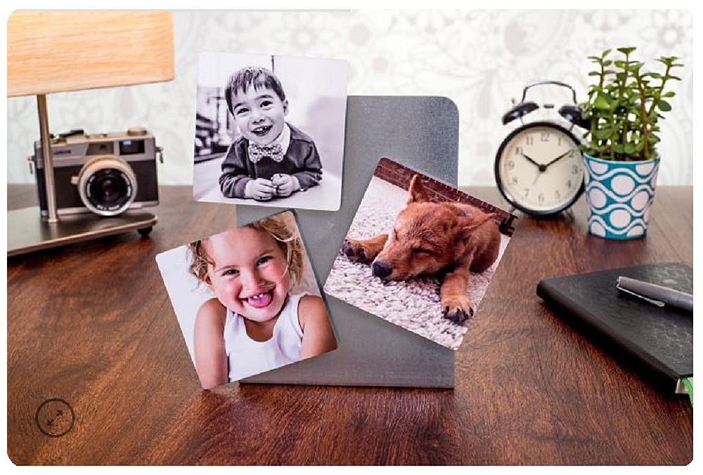 Photo magnets for holiday photo gift ideas