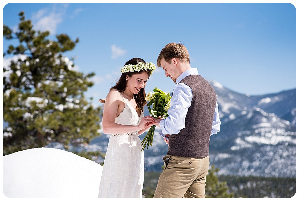 Destination Mountain Elopement Ceremony at 3M Curve in RMNP