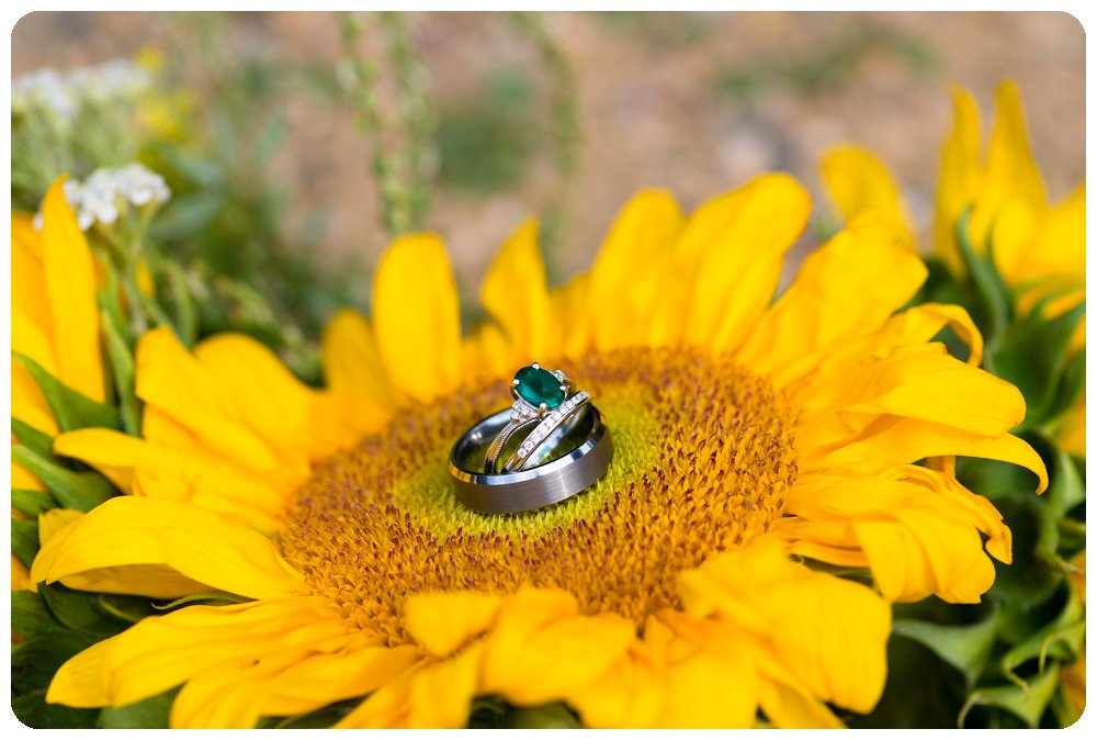Sunflower with Emerald Wedding and Engagement Ring