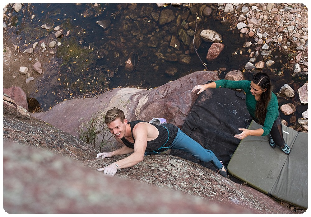 rock climbing couples session on the Water Rock