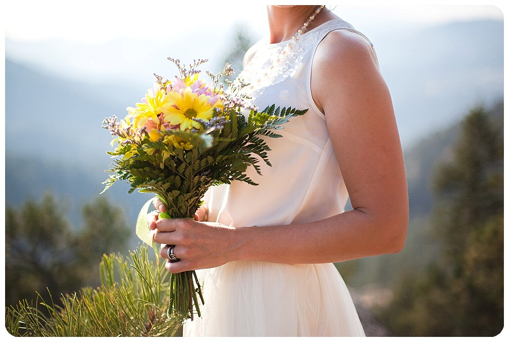 Beautiful colorado mountain elopement bouquet